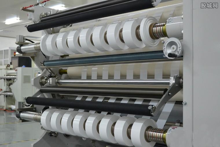 青海加快锂电产业 实现万吨级碳酸锂规模化生产