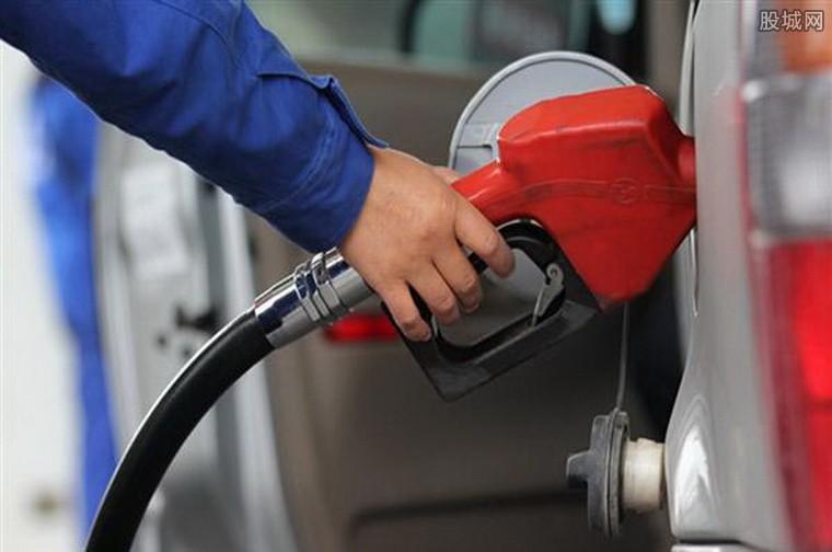 美股下跌国际油价上涨