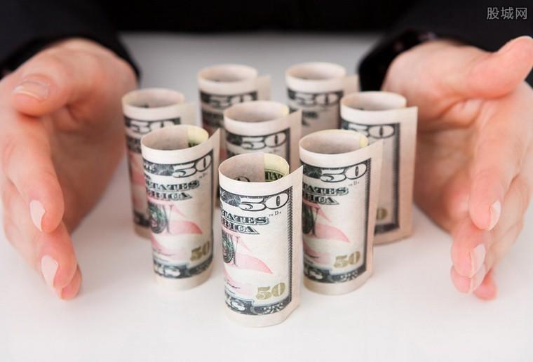 全球央行货币政策临考