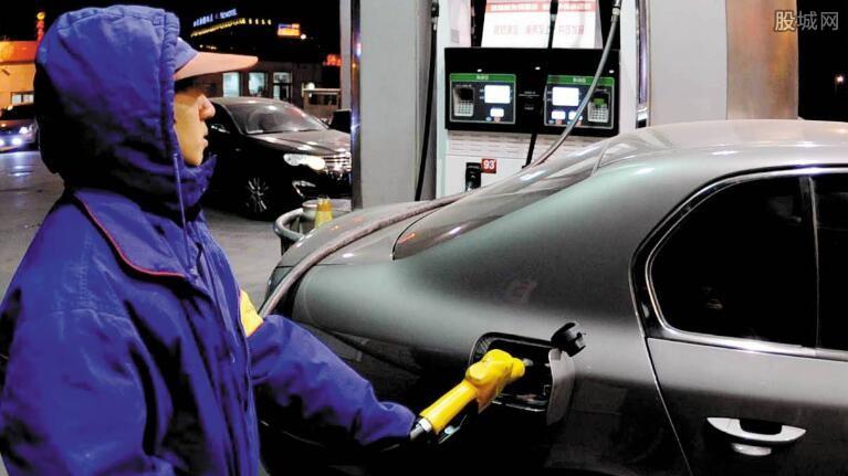 国内油价大幅下跌或成定局