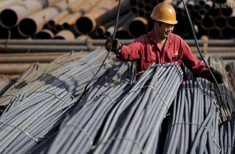 国内钢价价大幅下挫