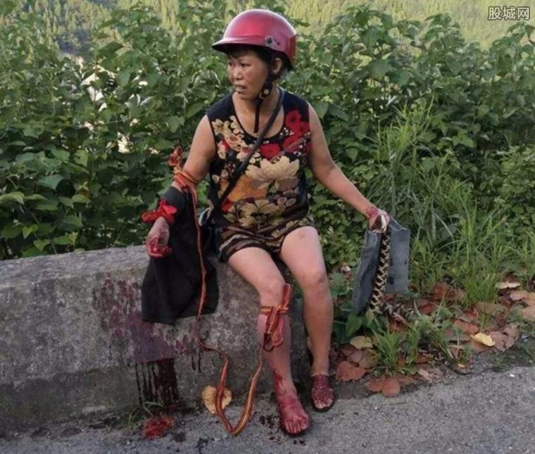 农妇遭五步蛇空袭