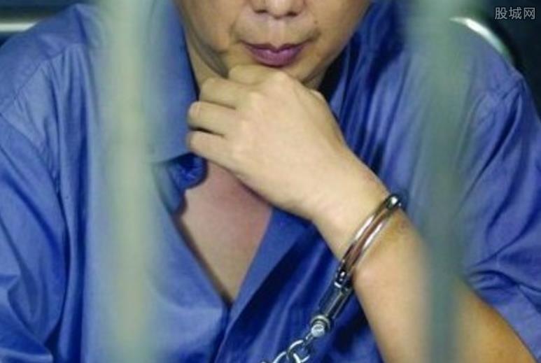 性侵女儿获刑1.2万年