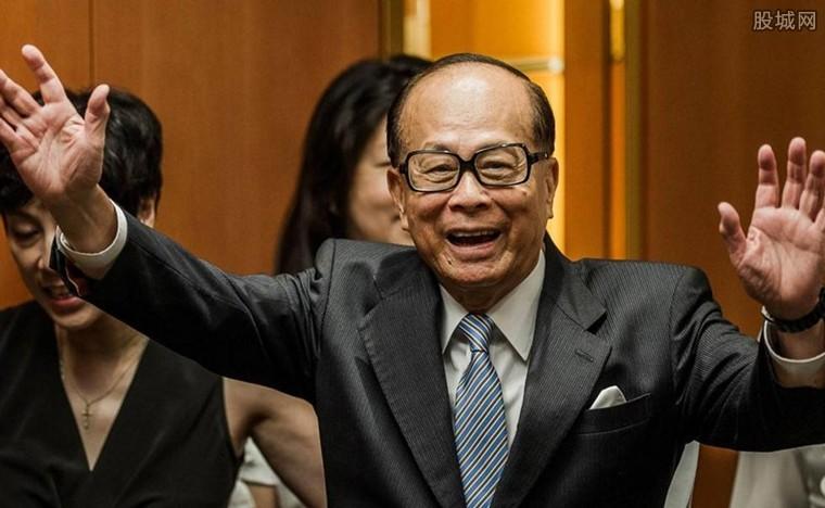 李嘉诚卖香港资产