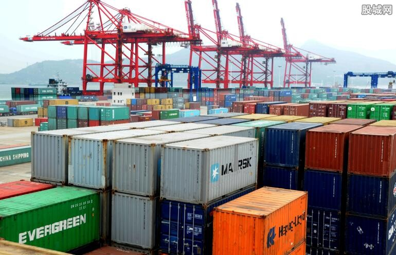 8月外贸同比增幅最低