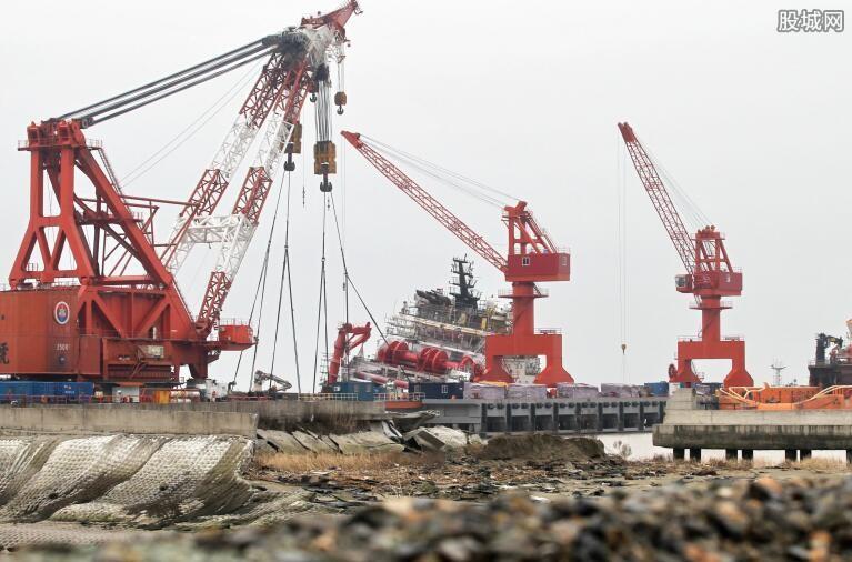 中国首艘超深水船成交