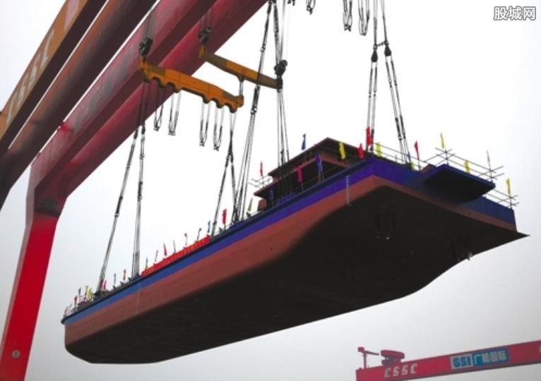 千吨级电动船下水