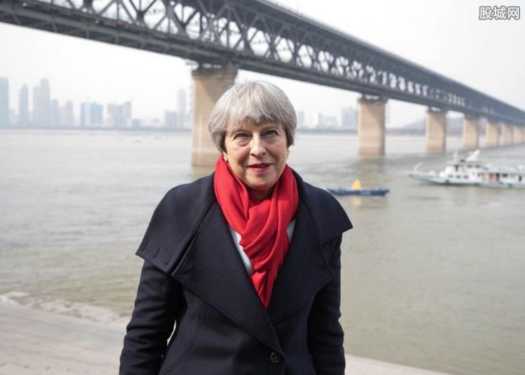 英首相访华签大单