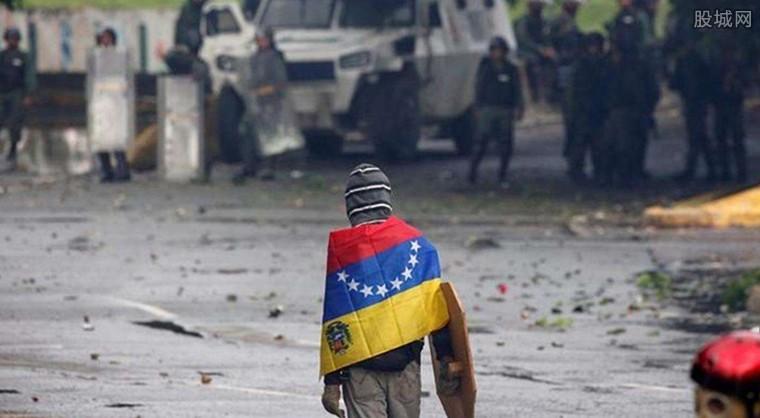 委内瑞拉石油生产崩溃