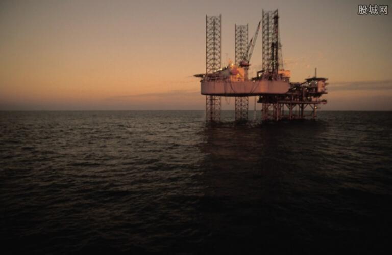 原油期货运行逐渐稳健