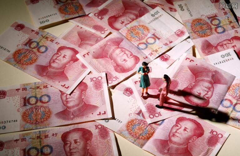 上半年人民币存款增加