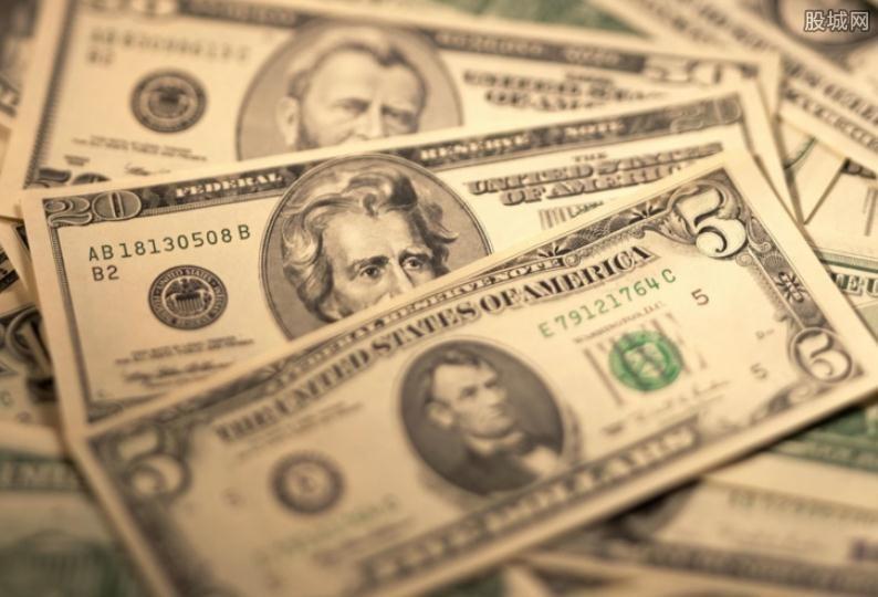 美元指数再次冲百