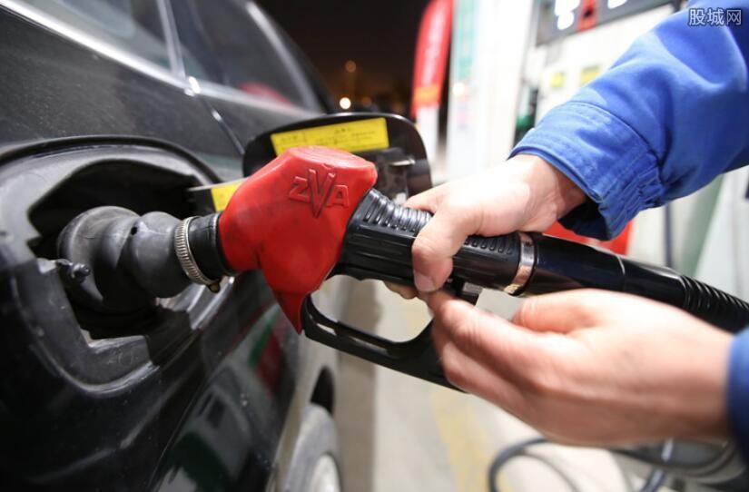 国内油价或迎十三连跌