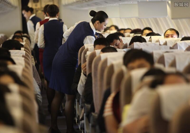 空姐飞机厕所卖淫