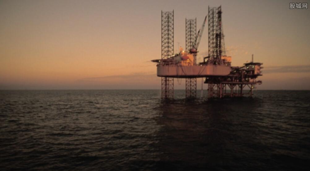 原油期货大涨2%