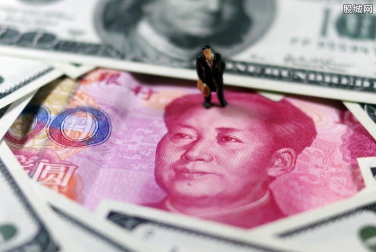 人民币对美元罕见跳涨