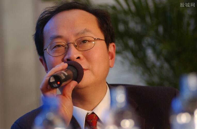 张文中荣获2018年度十大经济人物