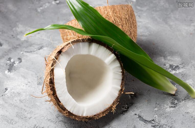 椰树椰汁新包装被质疑低俗