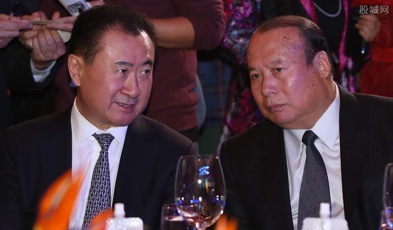 王健林变卖资产