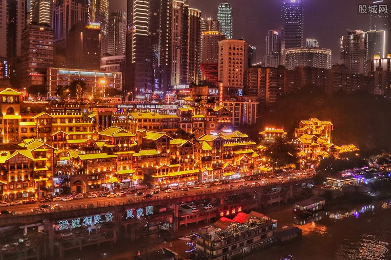 来福士正式亮灯 来福士广场重庆正式开业