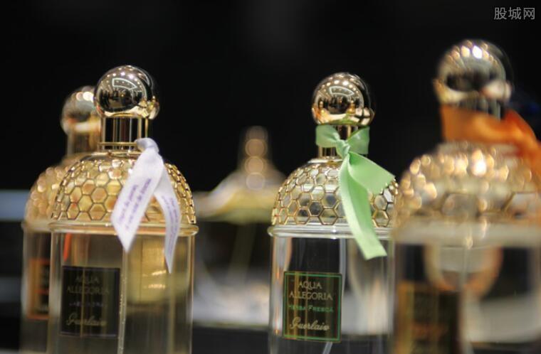香水奢侈品牌