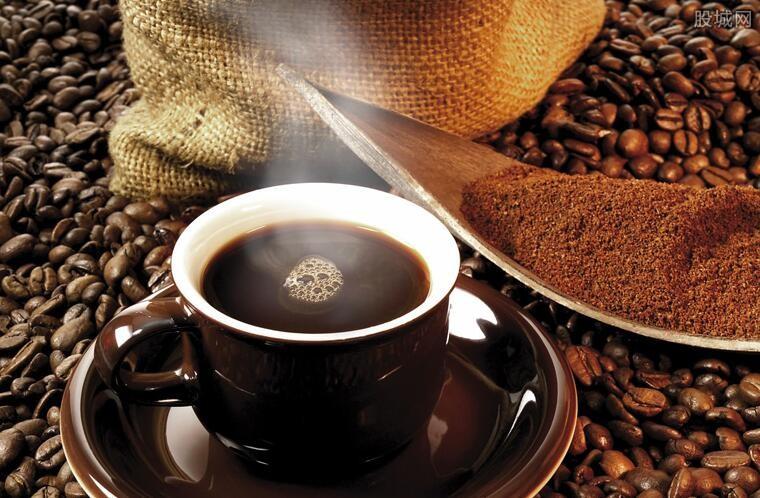 瑞幸咖啡还能翻身么 自曝财务造假股价崩塌