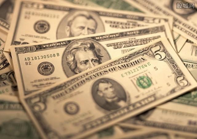 贝佐斯重返全球首富宝座 马斯克身价有所缩水
