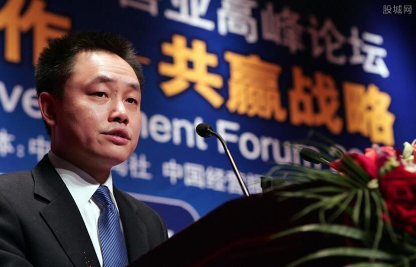 黄光裕回应与其他平台竞争 与京东拼多多将要开火?