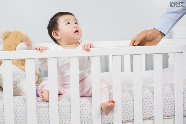 """中国跌入""""低生育率陷阱""""了吗"""