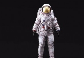 一件宇航服价值多少一般具有哪些功能?
