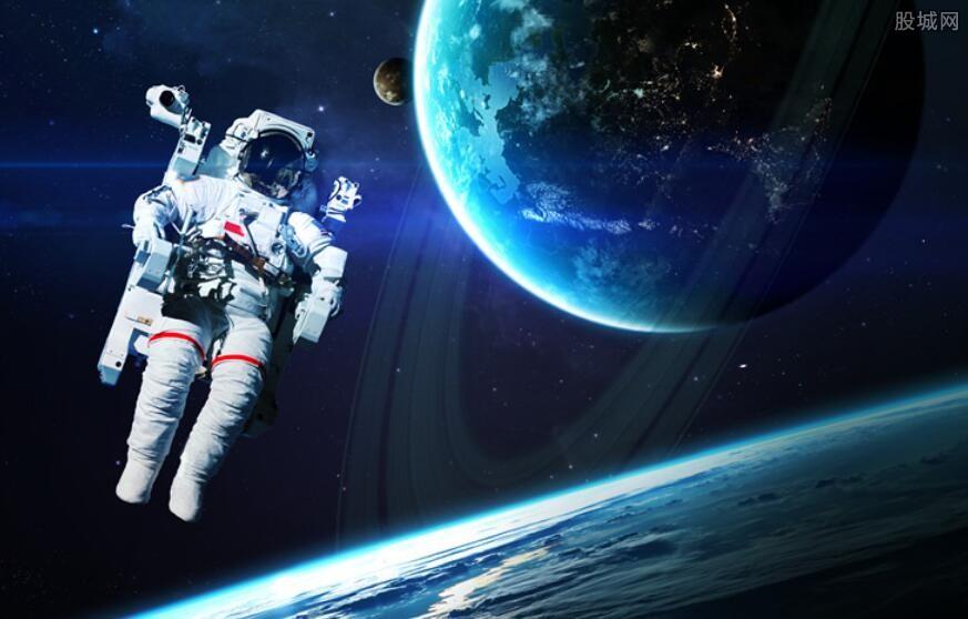 一套宇航服多少钱