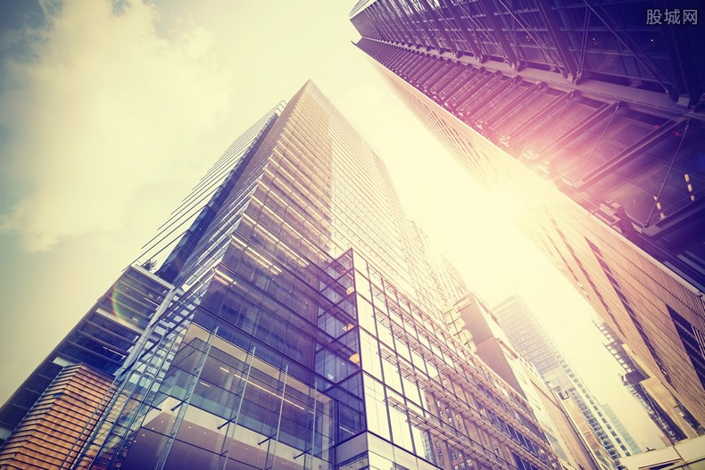 专家谈赛格大夏晃动原因 最新状况大厦是否安全的?
