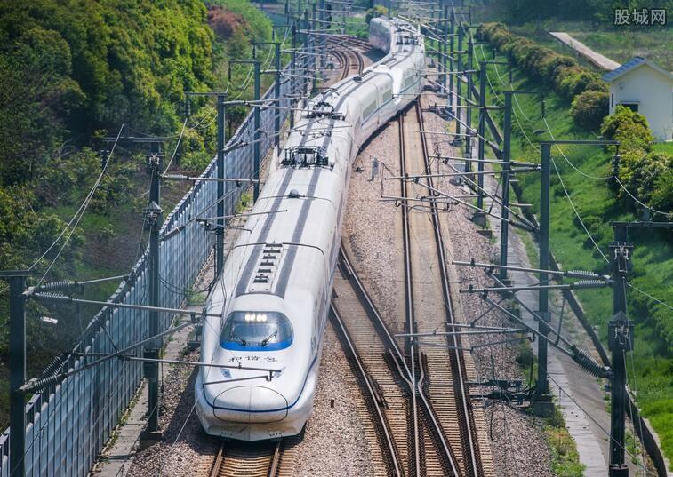 郑州大雨火车停运多久 铁路最新停运通知