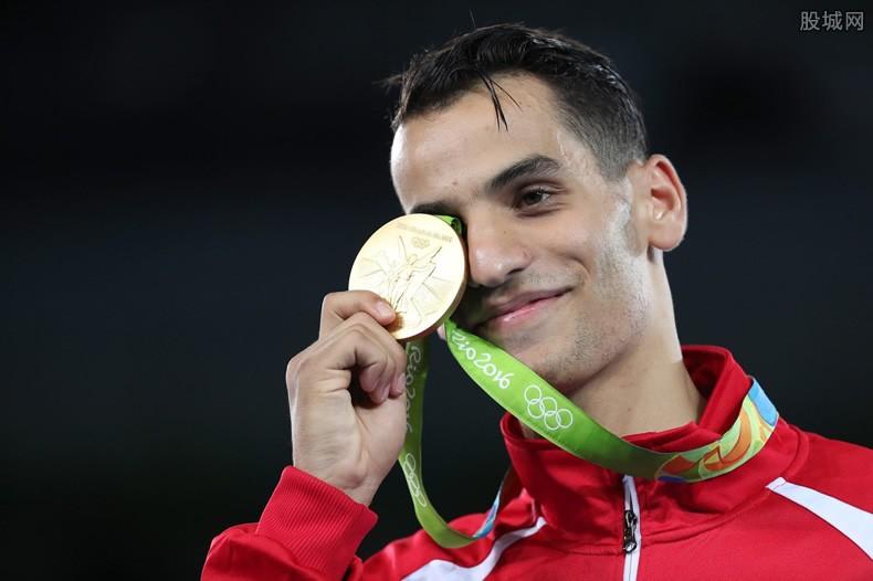 奥运会金牌是纯金吗