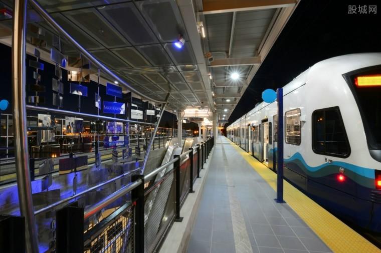 郑州地铁将分两批次恢复载客运营 全力保障乘客出行